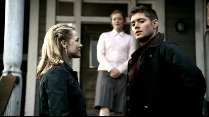 Jensen Ackles e Julie Benz nell'episodio 'Faith' di Supernatural