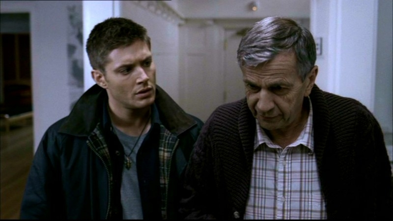 Jensen Ackles e William B. Davis nell'episodio 'Lo spaventapasseri' di Supernatural
