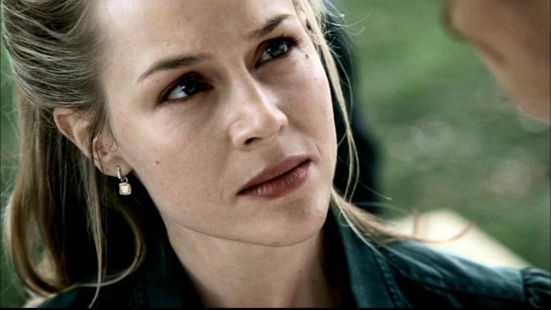 Julie Benz, nei panni di Layla Rohr, nell'episodio 'Faith' di Supernatural