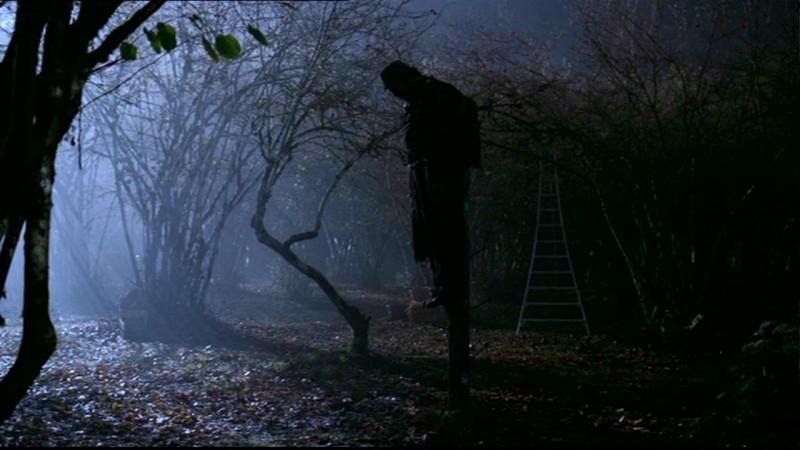 M. Carpenter interpreta lo spaventapasseri assassino nell'episodio 'Scarecrow' nella serie Supernatural