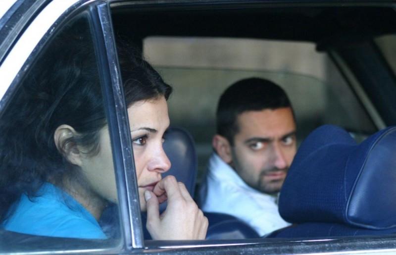 Nada Abou Farhat e Georges Khabbaz in una scena del film Sotto le bombe