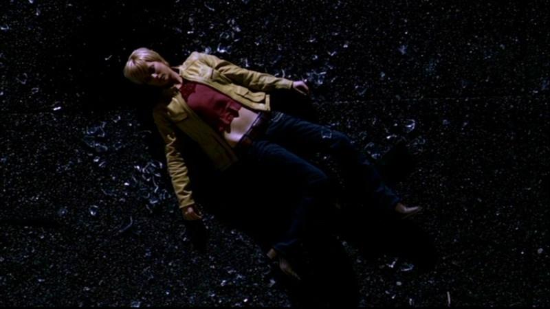 Nicki Lynn Aycox nell'episodio 'Ombre' di Supernatural
