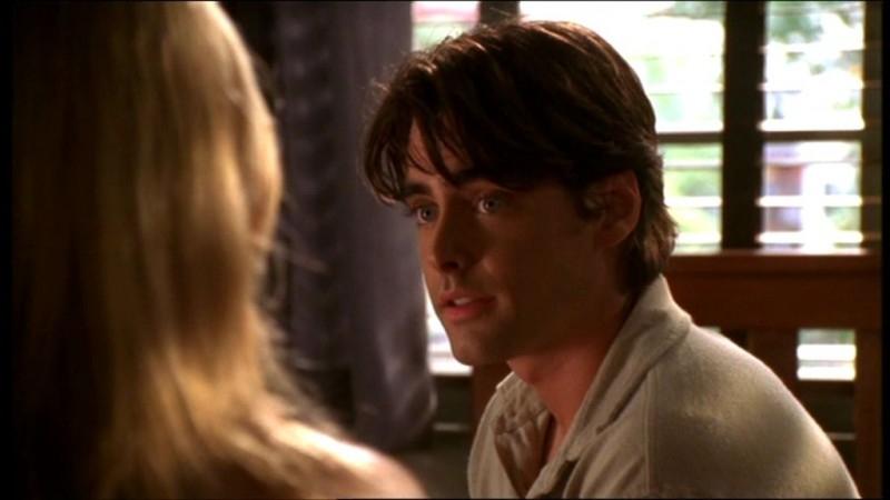 Adam Kaufman in una scena dell'episodio 'L'accecante luce del giorno' della quarta stagione di Buffy - L'ammazzavampiri