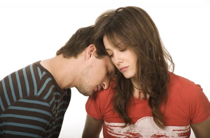 Alessandro Tiberi e Giovanna Mezzogiorno in una foto promozionale del film L'amore non basta