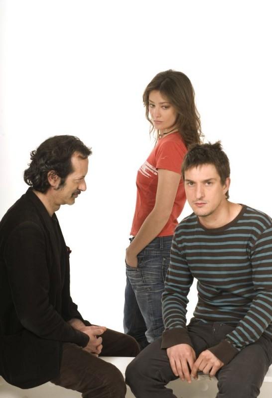 Alessandro Tiberi, Giovanna Mezzogiorno e Rocco Papaleo in una foto promozionale per il film L'amore non basta