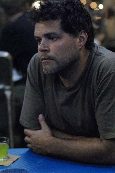 Aaron Douglas in una scena dell'episodio 'The Ties That Bind' della quarta stagione di Battlestar Galactica