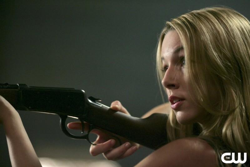 Alona Tal nell'episodio 'Everybody loves a Clown', della serie Supernatural (stagione 2)