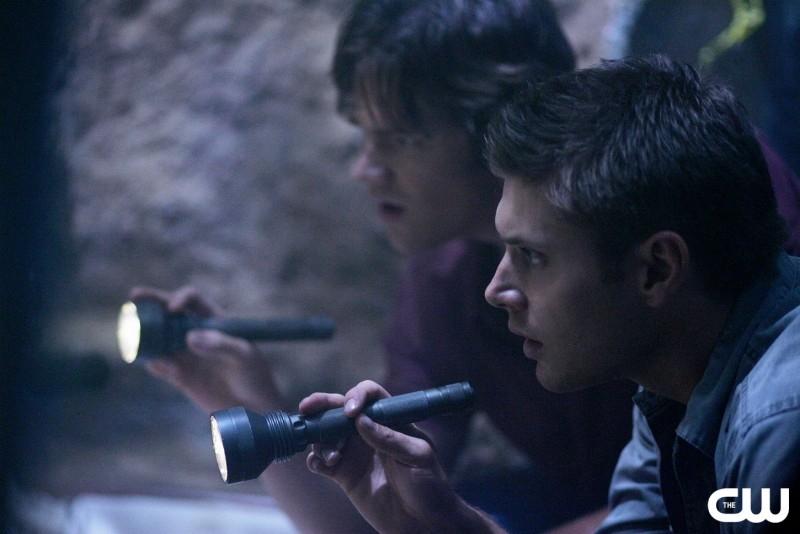 Jared Padalecki e Jensen Ackles in una immagine di 'Children shouldn't play with dead things' della serie Supernatural