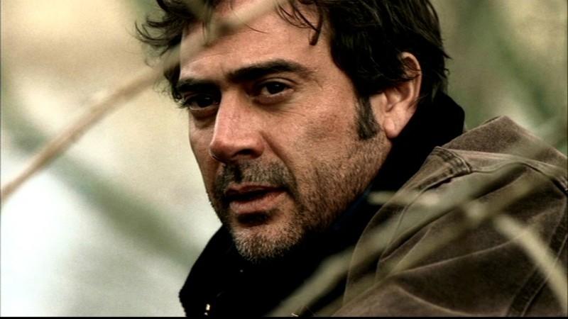 Un primo piano di Jeffrey Dean Morgan, nel ruolo di John Winchester, nell'episodio 'Una pistola dal passato' di Supernatural