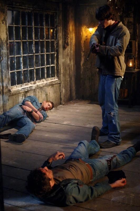 Jensen Ackles, Jared Padalecki e Jeffrey Dean Morgan nell'episodio 'La trappola del diavolo' di Supernatural