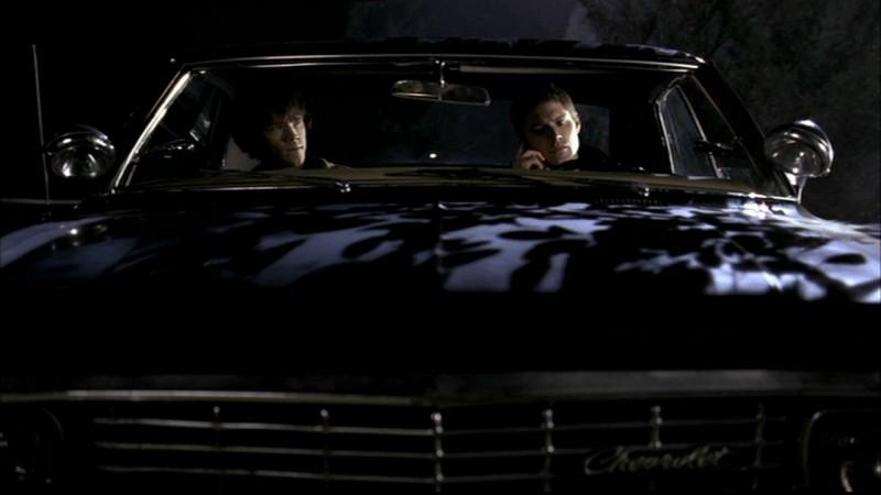 Jensen Ackles, nei panni di Dean Winchester, e Jared Padalecki nell'episodio 'Salvation' di Supernatural