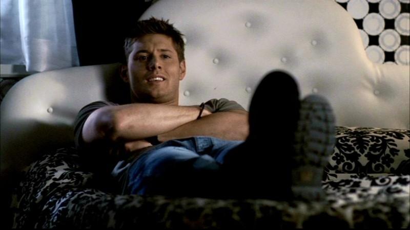 Jensen Ackles nel ruolo di Dean Winchester, nell'episodio 'Il quadro maledetto' di Supernatural
