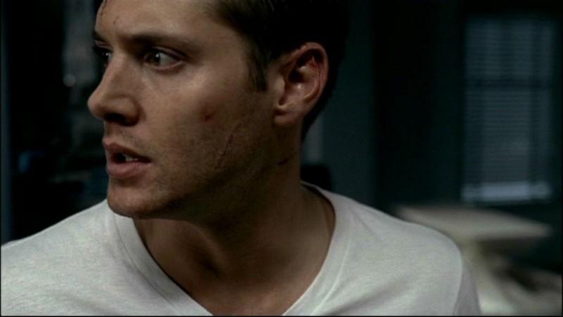Jensen Ackles nel primo episodio della seconda stagione di Supernatural, 'Tra la vita e la morte'