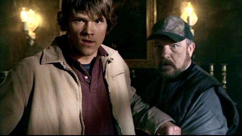 Jim Beaver, e Jared Padalecki nell'episodio 'La trappola del diavolo' di Supernatural