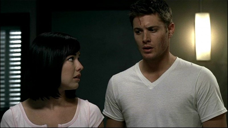 Lindsey McKeon con Jensen Ackles, nell'episodio 'In my time of dying'