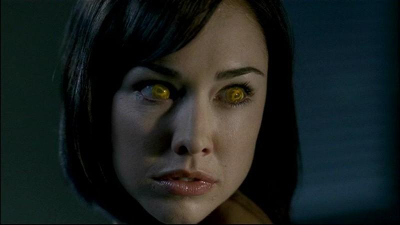 Lindsey McKeon, nel ruolo dell'Angelo della Morte, mentre è posseduta dal Demone, nell'episodio 'In my time of dying'