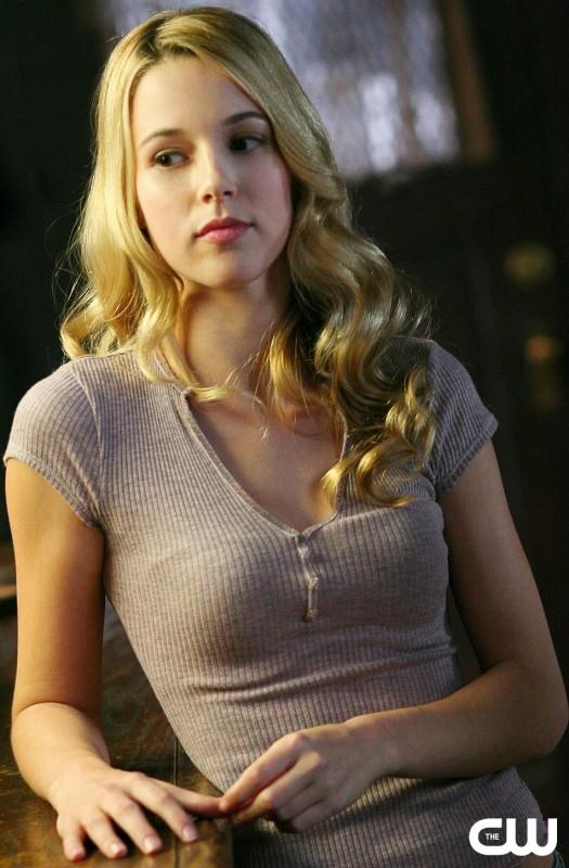 La bella Alona Tal, nel ruolo di Jo Harvelle, nell'episodio 'Simon said' della serie tv Supernatural