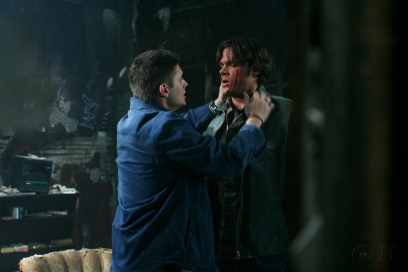 Jared Padalecki e Jensen Ackles nell'episodio 'Hunted' della serie tv Supernatural