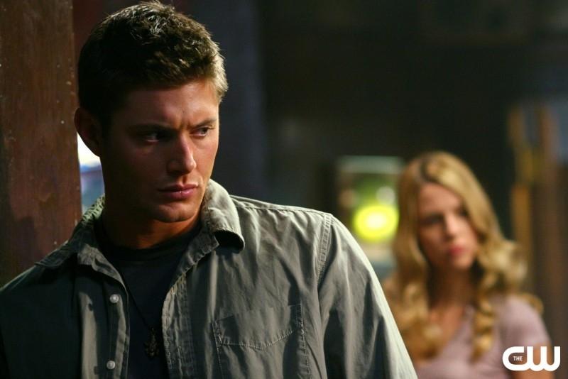 Jensen Ackles e Alona Tal nell'episodio 'Simon said' della serie tv Supernatural