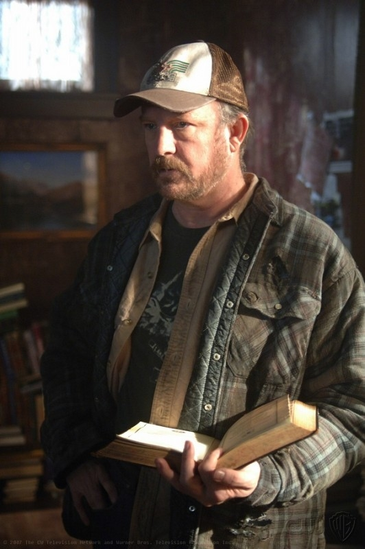 Jim Beaver è Bobby Singer, nell'episodio 'Born under a bad sign' della serie tv Supernatural
