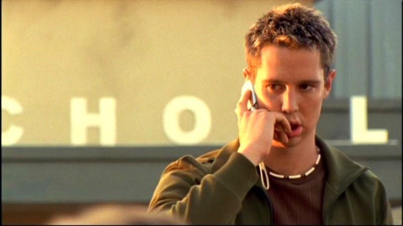 Jason Dohring in una sequanza dell'episodio 'Questione di fiducia' della prima stagione di 'Veronica Mars'