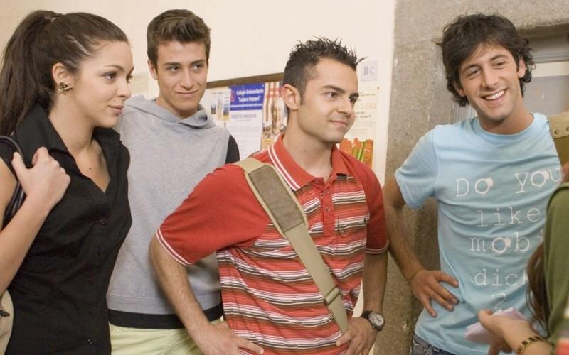 Cecilia Sagnelli, Andrea De Rosa e Marco Iannone in una scena del film Ultimi della classe