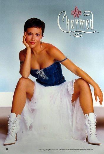 Un character poster originale della serie televisiva Streghe