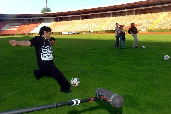 El Pibe de Oro in azione nel documentario Maradona by Kusturica