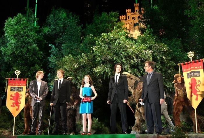 Andrew Adamson, William Moseley, Georgie Henley, Ben Barnes e il produttore Mark Johnson all'anteprima giapponese de Le cronache di Narnia: il principe Caspian