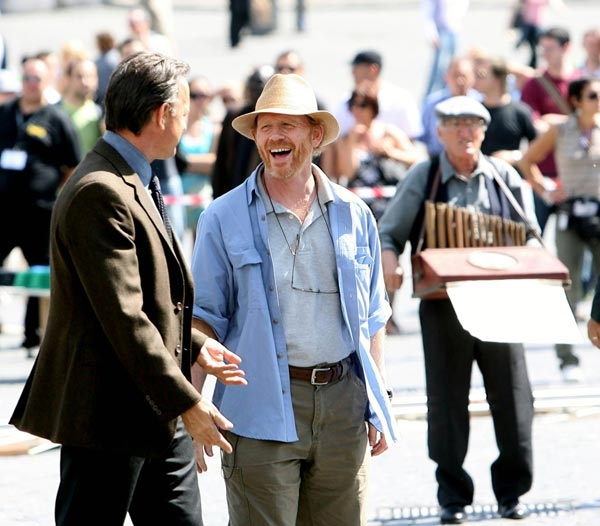 Tom Hanks e Ron Howard a Piazza del Popolo a Roma sul set di Angeli e demoni