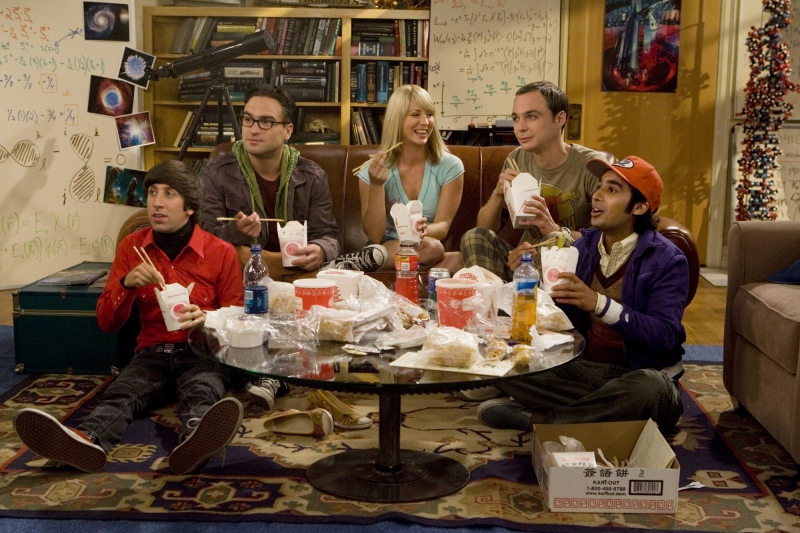 Il cast di The Big Bang Theory in una scena del pilot della serie