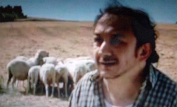 Orfeo Orlando in una sequenza della fiction Don Matteo 6, episodio 'Bentornato, Don Matteo'.