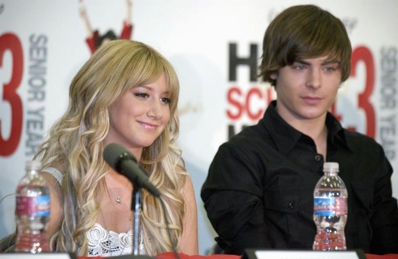 Ashley Tisdale e Zac Efron alla conferenza stampa del 2 maggio 2008 per l'inizio delle riprese di High School Musica 3: Senior Year