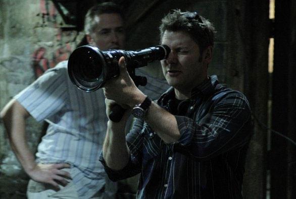 Il regista David Hackl sul set dell'horror Saw V