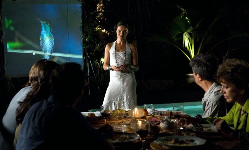 Chiara Caselli in una scena del film La terra degli uomini rossi - Birdwatchers