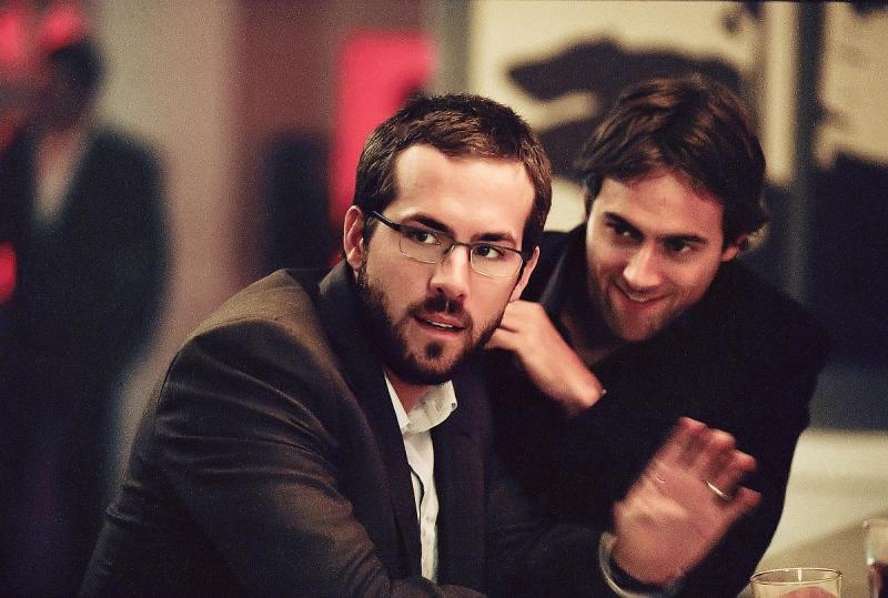 Ryan Reynolds e Stuart Townsend in una scena del film Chaos Theory