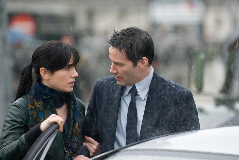 Jennifer Connelly e Keanu Reeves in una scena del film Ultimatum alla Terra