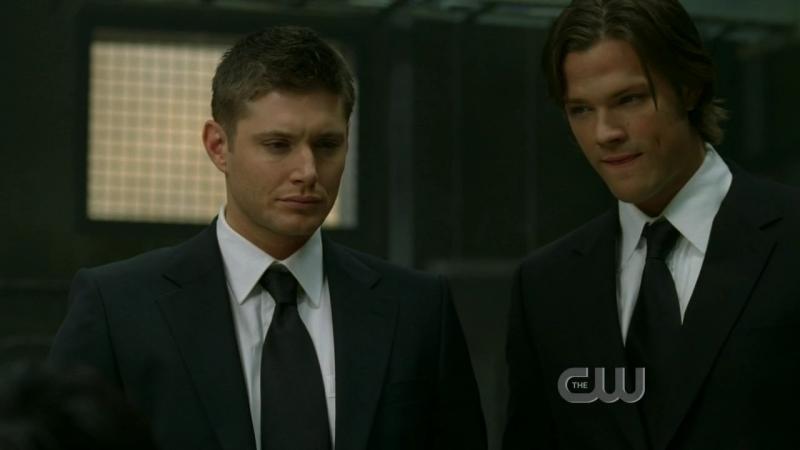 Jensen Ackles e Jared Padalecki: i fratelli Winchester in uno dei loro travestimenti, nell'episodio 'Long-distance call' della serie Supernatural