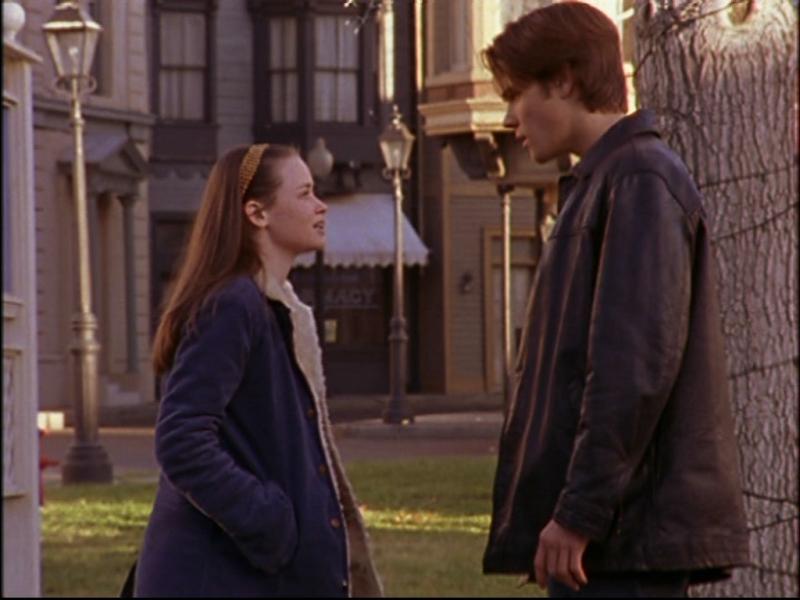 Rory, Alexis Bledel, e Dean, interpretato da Jared Padalecki, litigano per via di Jess nell'episodio 'L'asta dei cestini' della serie Una mamma per amica
