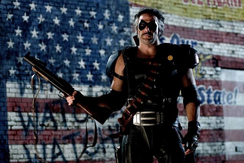 Jeffrey Dean Morgan in una scena del film Watchmen