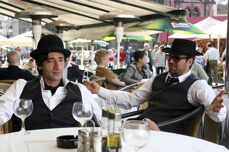 Adrien Brody e Mark Ruffalo in una scena del film The Brothers Bloom