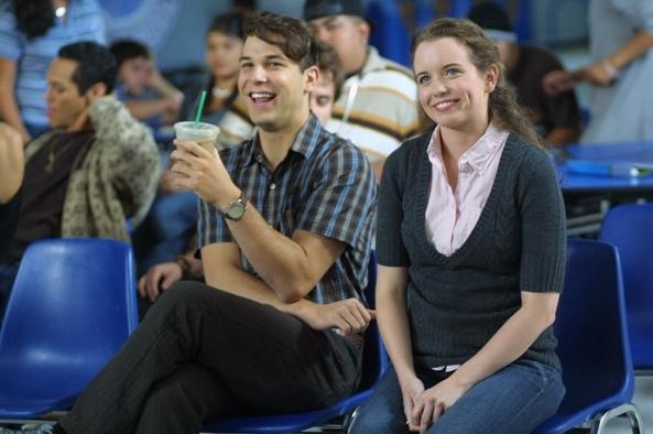 Skylar Astin e Phoebe Strole in una scena del film Hamlet 2