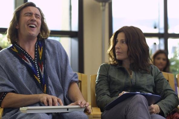 Steve Coogan e Catherine Keener in una scena del film Hamlet 2