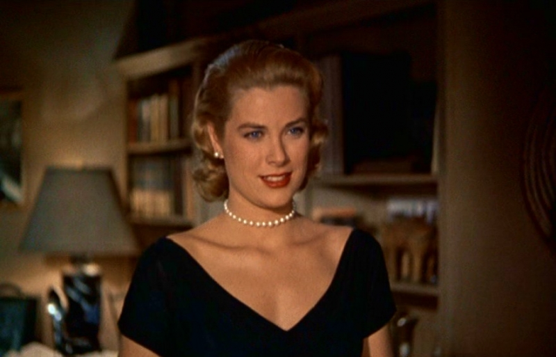 Grace kelly in una scena di la finestra sul cortile 86210 - La finestra sul cortile film ...