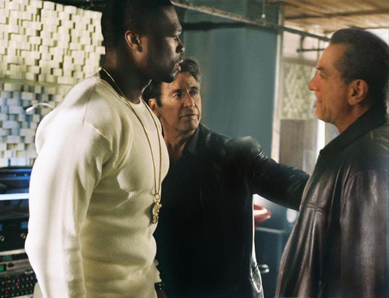50 Cent, Al Pacino e Robert De Niro in una scena del film Sfida senza regole - Righteous Kill