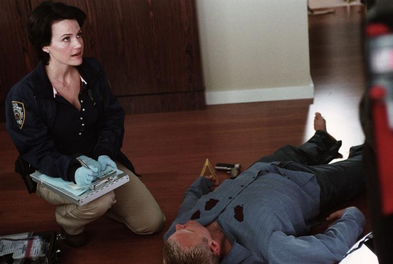Carla Gugino in una sequenza di Sfida senza regole - Righteous Kill