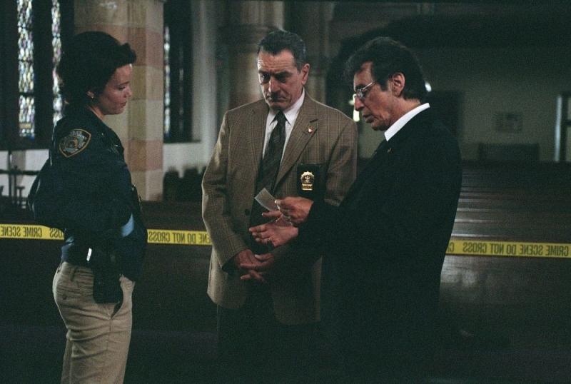 Carla Gugino, Robert De Niro e Al Pacino in una scena del film Sfida senza regole - Righteous Kill