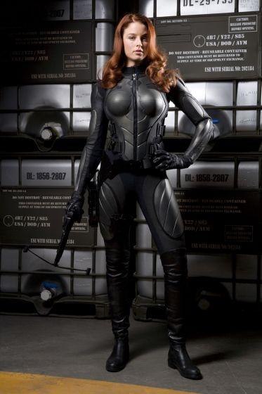 La bella Rachel Nichols in un'immagine promo del film G.I. Joe: Rise of Cobra
