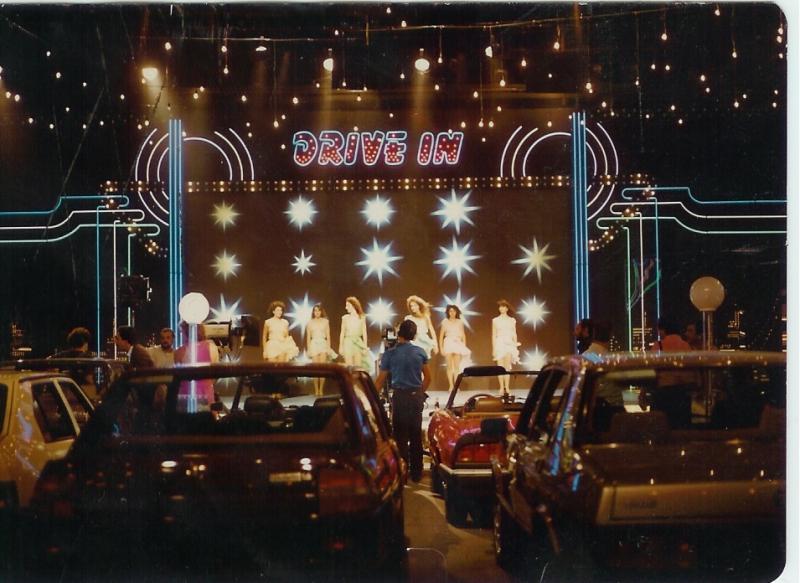 Scenografia realizzata da Enzo De Camillis per il programma cult Drive In, di G.Nicotra