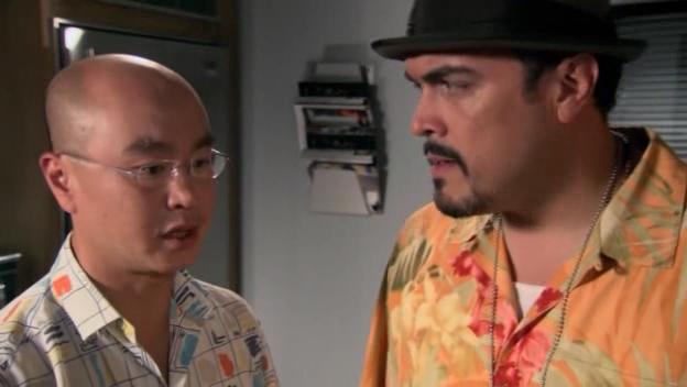 C.S. Lee insieme a David Zayas nell'episodio 'Morning Comes' della serie tv Dexter